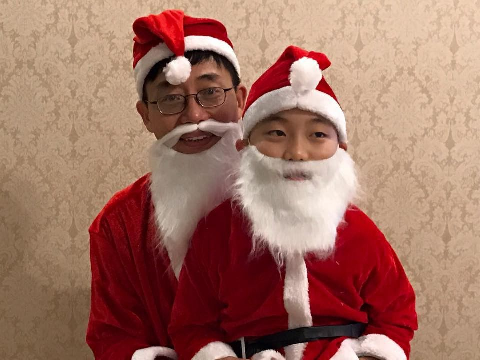 Photo of Joe Wong and his son